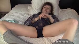 zastole-porno-pornuha-masturbatsiya-devushek-kartinki-ploshadke